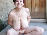 Happy Older Women. Mature and old sluts fully nude. Untill 90 yrs old