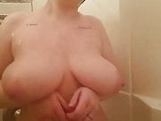 Washing tits