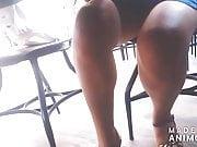 karimin kisa eteki ile harika bacaklari etek alti turkish