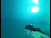 Hot body babe whore diving at the ocean